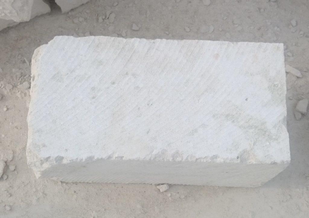 Блок из известняка разм 190-190-380мм